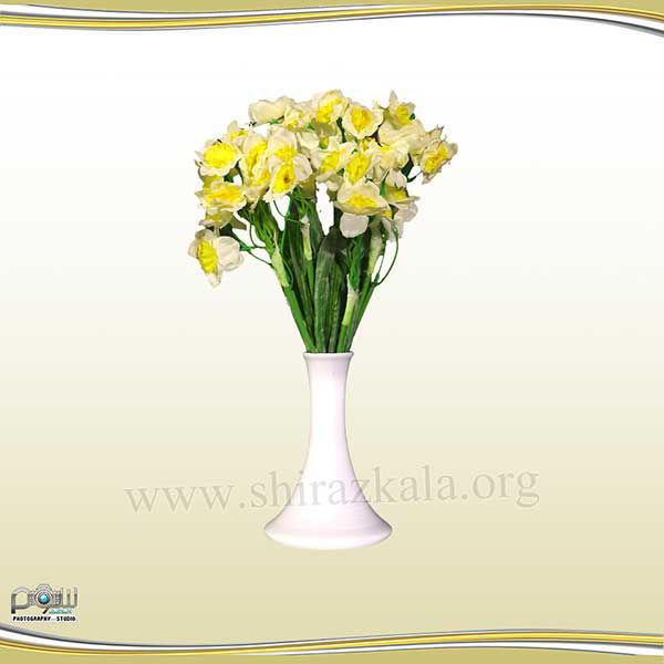 تصویر گلدان چینی با گل نرگس