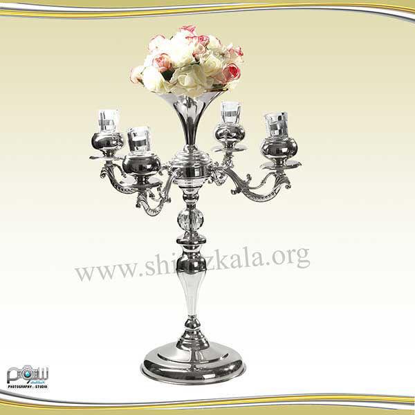 تصویر شمعدان ۴ شاخه نقره ای با گل رز