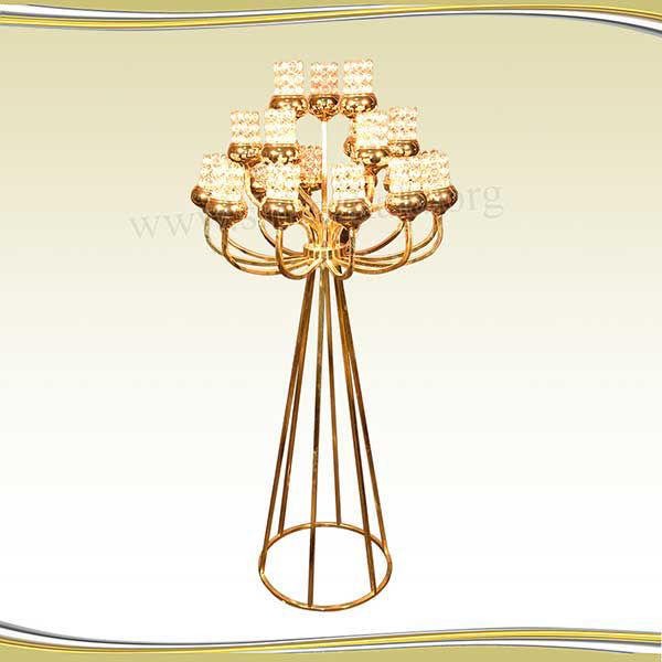 تصویر شمعدان ۲۱ شاخه طلایی